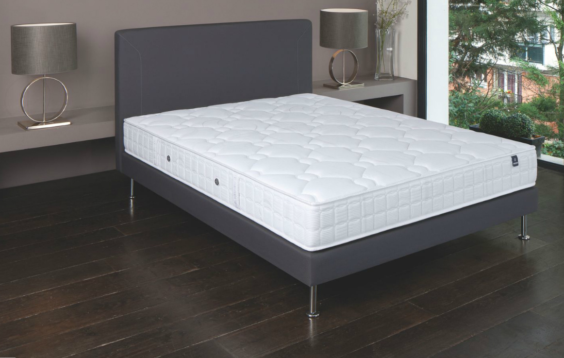 matelas et sommier 120x190 ensemble 120x190 matelas mousse et sommier lattes matelas sommier. Black Bedroom Furniture Sets. Home Design Ideas