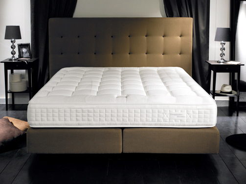 simmons literie constellation matelas et sommier le meilleur de l. Black Bedroom Furniture Sets. Home Design Ideas