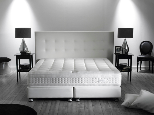 simmons literie exaltation matelas et sommier le meilleur. Black Bedroom Furniture Sets. Home Design Ideas